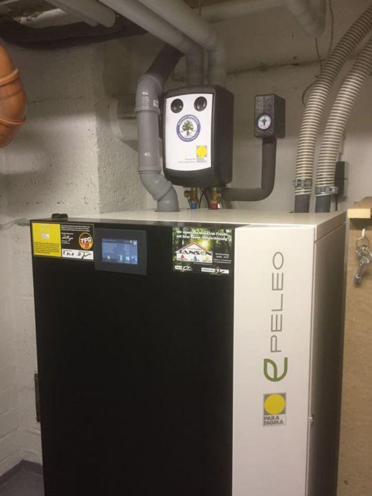 Und wieder ein Stück Unabhängigkeit! Paradigma Pelletheizung Peleo mit Multienergie-Hygienespeicher Aqua Expresso. Selbstverständlich mit…
